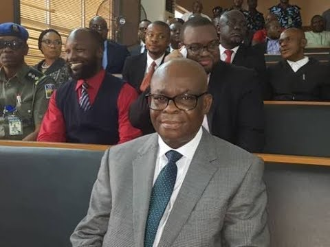 BREAKING: Onnoghen Smiles For The Cameras As CCT Members Arrive Late For Judgement
