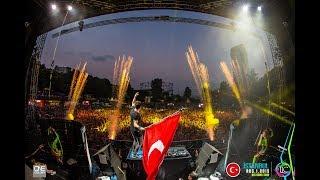 İzmir   Ummet Ozcan Ft. Arem Ozgüc, Arman Aydın  (Music Video)