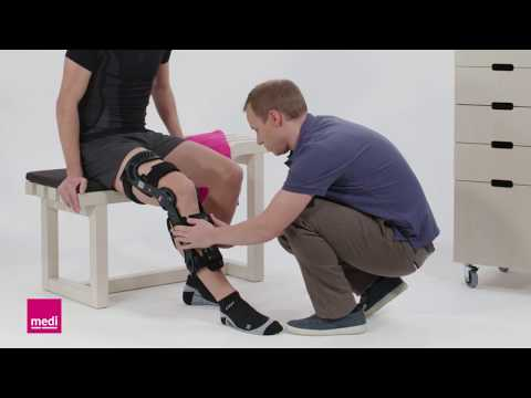 Guz na nodze z zewnętrzną stroną stopy dziecka