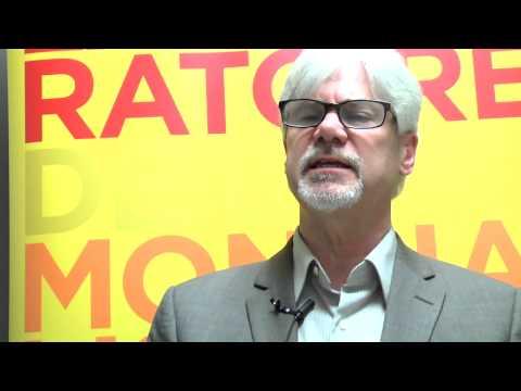 """Entrevue avec Paul Clarke, directeur de l'organisme Action Réfugiés Montréal, dans le cadre de sa participation au colloque """"Droit de bouger, droit de rester?"""", le 26 mars 2015."""