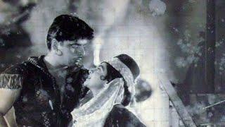Nazar Nazar Se Ulajh Gayi Hai Lata Mangeshkar Film Insaaf