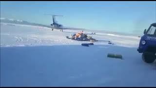 На Камчатке посылки от «Почты России» разлетелись по аэродрому
