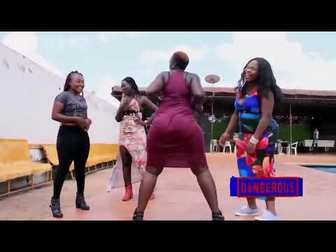 4 sexy Big ass africains twerk in crazy dance girls