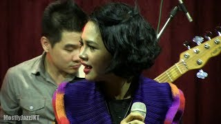 Gambar cover Andien - Moving On @ Mostly Jazz 17/10/13 [HD]