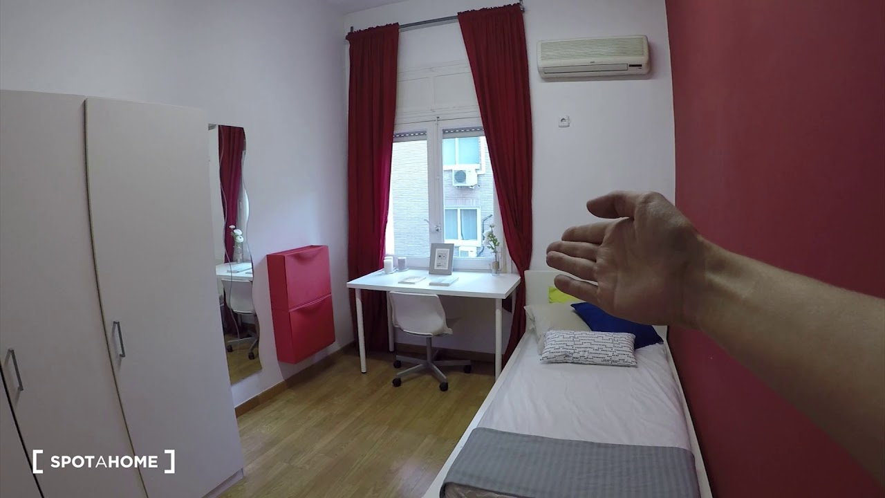 Single Bed in Modern rooms in apartment in stylish Almagro