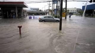preview picture of video 'น้ำท่วมปาดังฯที่สี่แยกไฟแดง'