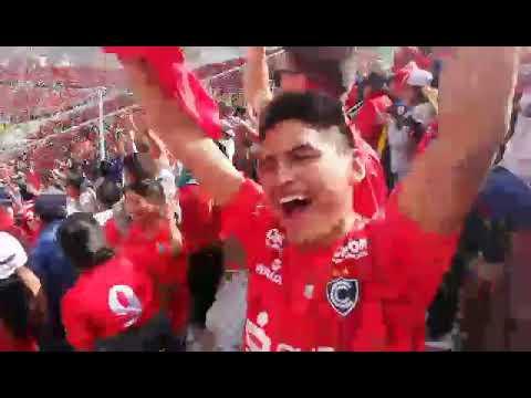 """""""Cienciano se coronó campeón"""" Barra: Fvria Roja • Club: Cienciano"""