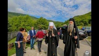 Литургия в древнем монастыре Пива