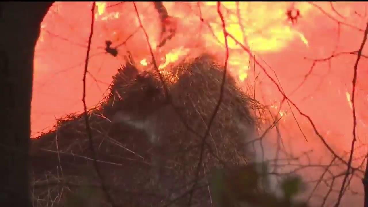 🔴 LIVE: Grote brand in Bussumse villa, rookwolken zorgen voor problemen op snelweg