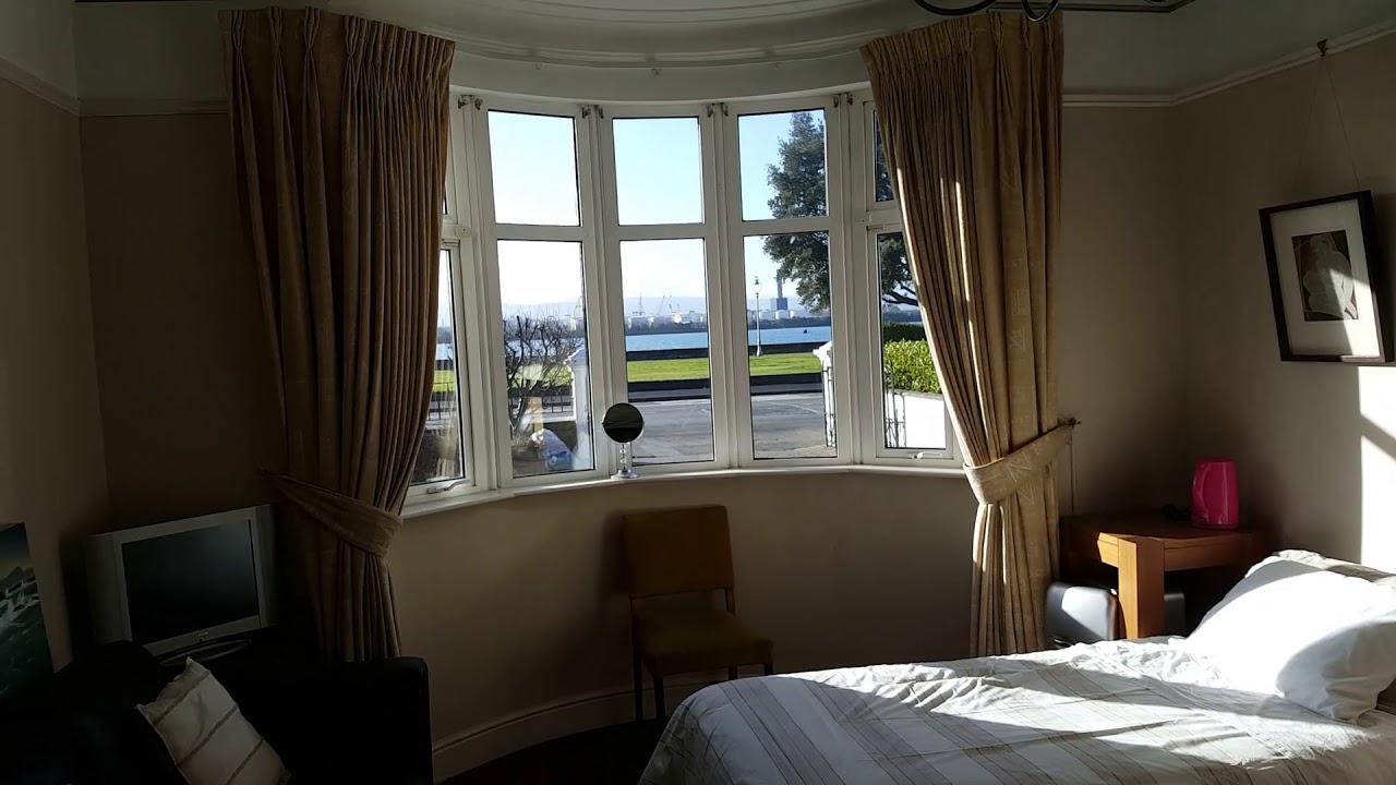 Double Bed in Cozy rooms to rent in 6-bedroom houseshare in Clontarf