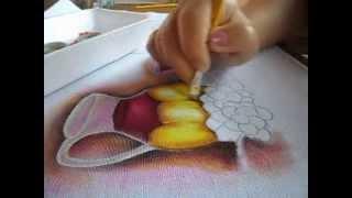 Pintura em tecido- Jarra com detalhe dourado