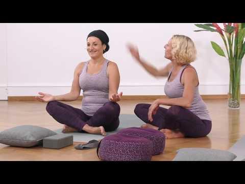 Yoga für Anfänger - sitzende Übungen: Fersensitz und Schmetterlingsitz