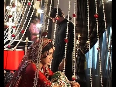 Kumkum Bhagya : Pragya and Abhi's wedding night