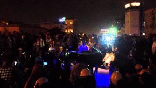 Klavierkunst Davide Martello playing piano @ Taksim Square - Gezi Parkı istanbul