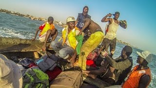 preview picture of video 'Gambia - przeprawa przez rzekę - Crossing the river'