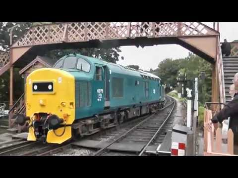 BR Blue 37275 arrives and departs Buckfastleigh on an South …