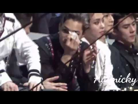 2016 MAMA EXO Reaction to BTS Artist of the Year
