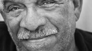 Derek Walcott reads begining of Omeros