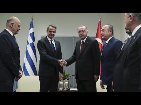 Συνάντηση Μητσοτάκη-Ερντογάν εν μέσω έντασης