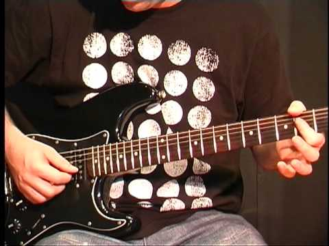 Beginning Guitar Lesson -  A Major Chord Open Position  P