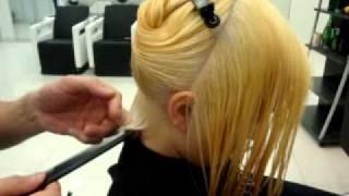 Смотреть онлайн Интересная техника стрижки прямых волос