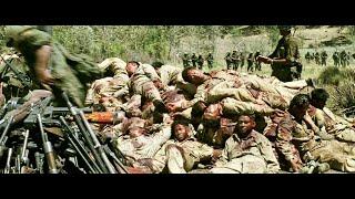 越南德浪河谷战役,美军情报失误,450人遭2500人围剿,血战4天4夜,只留下一面国旗