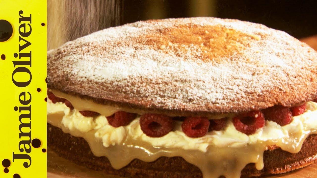 Strawberry Cake Recipe Jamie Oliver: Strawberry & Cream Sandwich Sponge