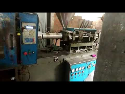 Toggle Type Injection Molding Machine