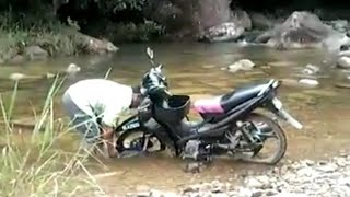 preview picture of video 'Lawas rider(meter reader)'