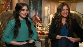 Julia Roberts And Lily Collins Joke They Dont Get Along And Talk Lilys Rival Kristen Stewart