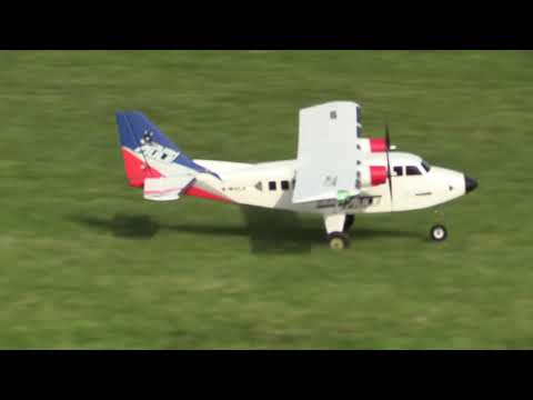 bushmule-electric-rc-airplane-by-hobby-king--mcddd-piloting