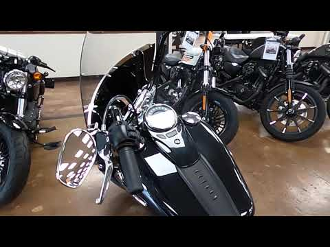 2019 Harley-Davidson Heritage Softail Classic 107 FLHC