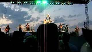 Terri Clark- No Fear