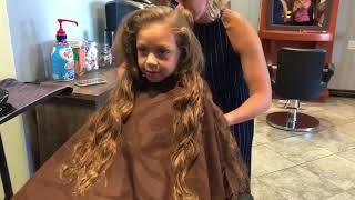 Khloé's First EVER haircut