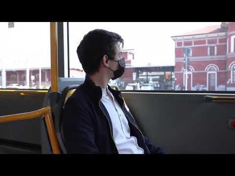 Sugli autobus di Varese ora si paga il biglietto con le carte contactless