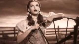 Somewhere over the Rainbow Judy Garland - Subtitled | Legendado