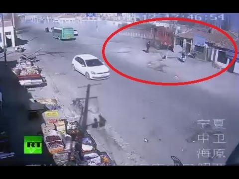 Камион се вряза в къщи в Китай, 5 души загинаха