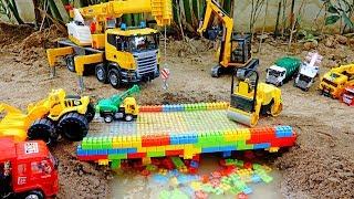 중장비 자동차 장난감 메가블럭 다리 만들기 포크레인 크레인 트럭 색깔놀이 모래놀이 Construction Car Toys Build Bridge Color Block
