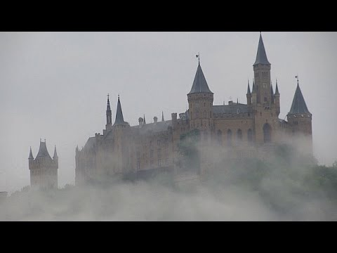 Старинный замок Гогенцоллерн празднует ю