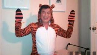 Tiger Costume Puts Congressman In Trouble thumbnail
