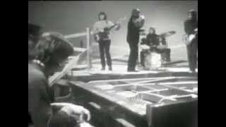 YouTube video E-card Cuby Blizzards Distant Smile 1967