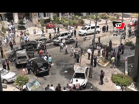 «ما تبقى من موكب النائب العام».. شارع مدمر وسيارات متفحمة