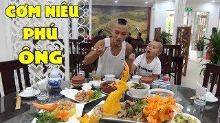 Cơm Niêu Phú Ông - Anh Em Tam Mao Lục Tung Sài Gòn Để Tìm Nhà Hàng Ẩm Thực Miền Bắc