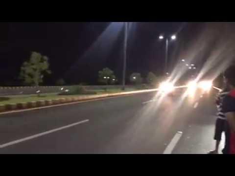 BMW s1000rr vs Yamaha r1 in pakistan