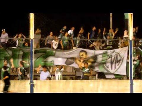 """Traigan vino que juega el verde!"" Barra: La Gloriosa • Club: Villa Mitre"