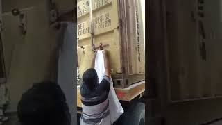 How Cargo Stolen from containers without broken Seal
