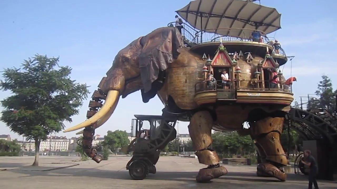 The grand elephant
