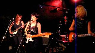 Those Darlins--Tina Said--Zoo Bar--Lincoln NE--08-09-2011