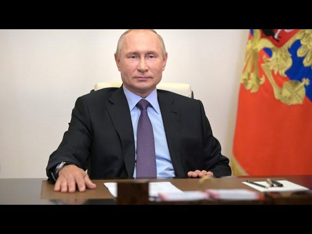 Владимир Путин провел совещание о санитарно-эпидемиологической ситуации в стране (полное видео)