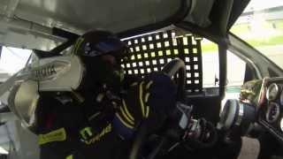 Valentino Rossi en Kyle Busch actief in Nascar auto op Charlotte circuit in VS